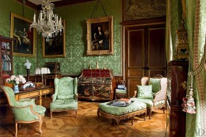 Chateau_sitting room